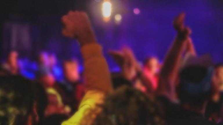 H διασκέδαση στο μπαρ κατέληξε σε καταγγελία για βιασμό