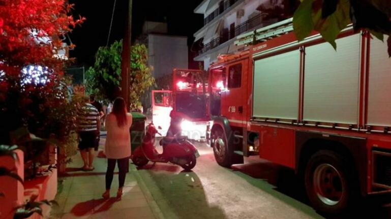 Αναστάτωση από φωτιά σε εγκαταλειμμένο σπίτι