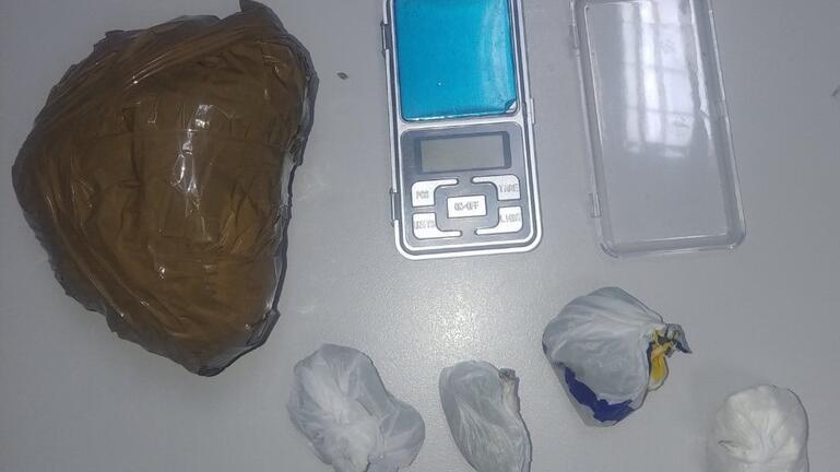 Τρεις συλλήψεις για διακίνηση κοκαΐνης και χασίς