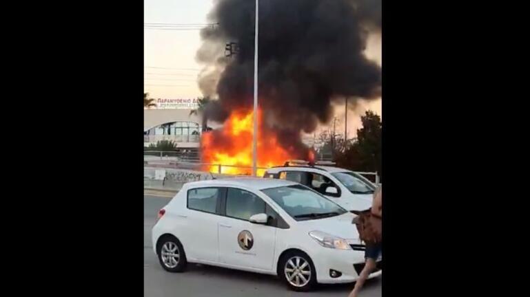 Φωτιά σε τροχόσπιτο στο Παγκρήτιο Στάδιο - Δείτε βίντεο