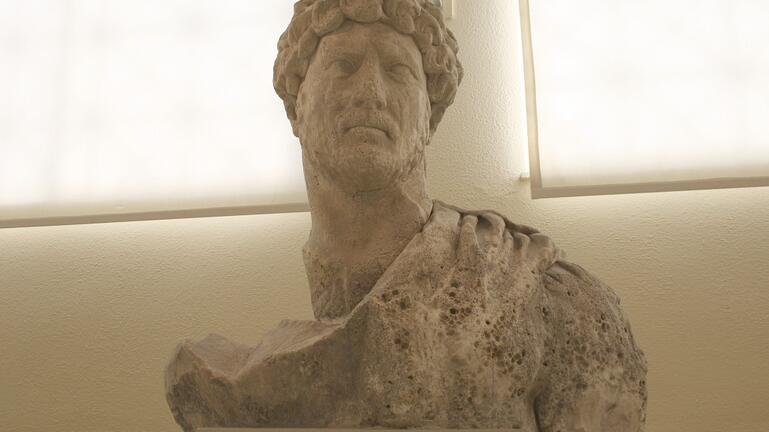 Η αρχαιολογική σκαπάνη στην Αρχαία Λύττο αποκάλυψε σημαντικό άγαλμα!
