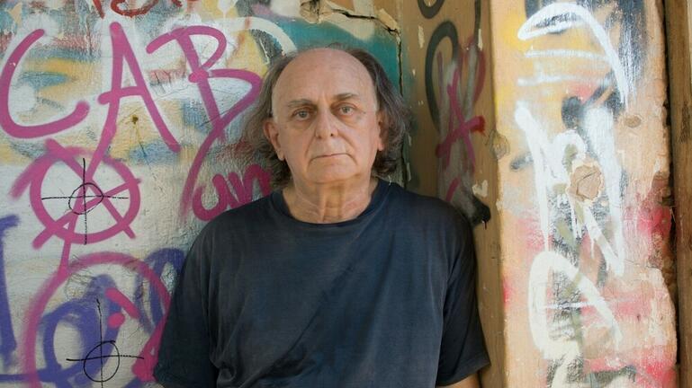 Γιώργος Τουρκοβασίλης: Έφυγε από τη ζωή ο φωτογράφος των ροκ συγκροτημάτων