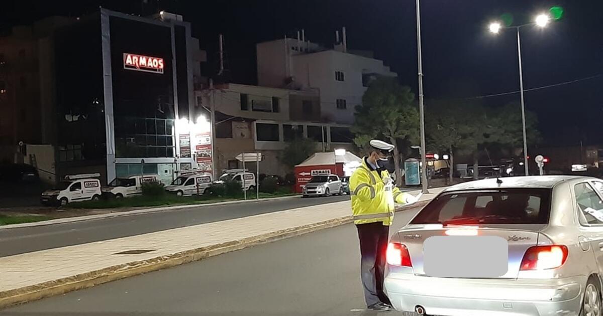 Νέο lockdown με αστυνομικά μπλόκα και άδειες πλατείες